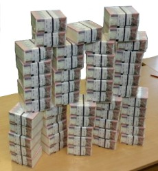 pinigai milijonas Lt
